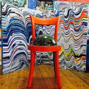 Dusun bakalim (Sandalye heykel-dusunmek araci)